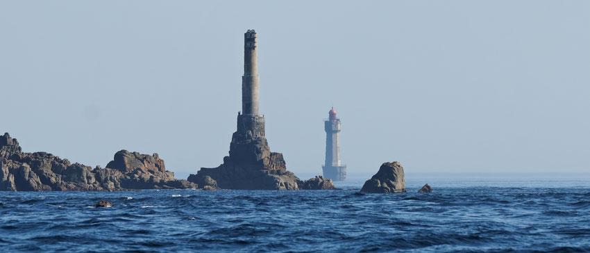 """Les gardiens de phare eux-mêmes ont classé les phares en 3 catégories par analogie à la représentation religieuse, et en référence à la difficulté des conditions de vie à bord de ces phares : les phares """"enfer"""" sont au nombre de 6 en mer d'Iroise, il s'ag"""