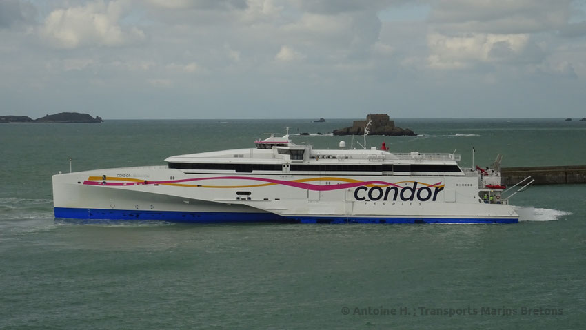 HSC Condor Liberation, Condor Ferries' flagship entering St-Malo's harbour.
