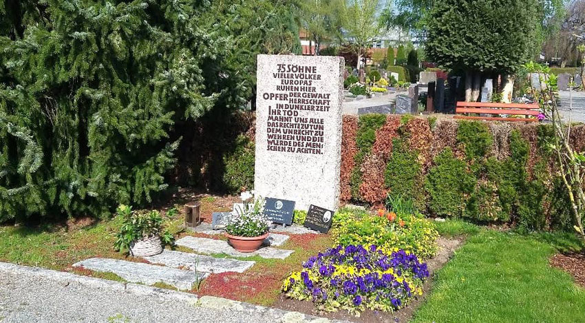 Ehrengrab auf dem Haslacher Friedhof