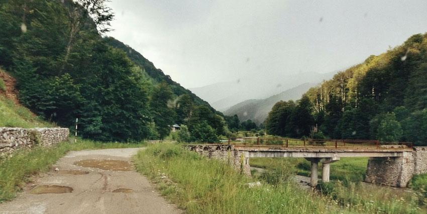 Schon wieder aufziehender Regen im oberen Cerna Tal.