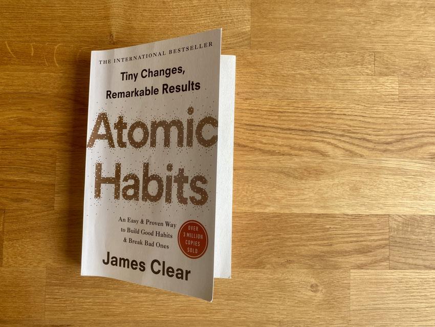 Atomic Habits von James Clear