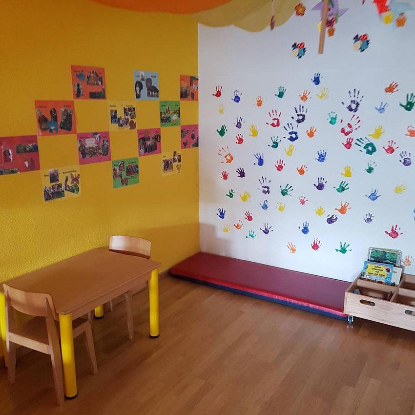 Professionelle und liebevolle familienergänzende Kinderbetreuung - KITA-Forsthaus die Stadt Kita neben dem Wald Bern