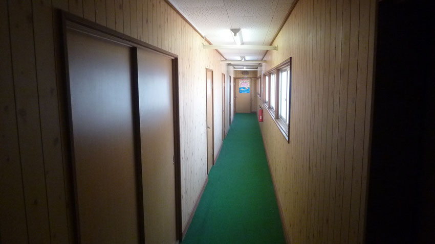 3階左側廊下