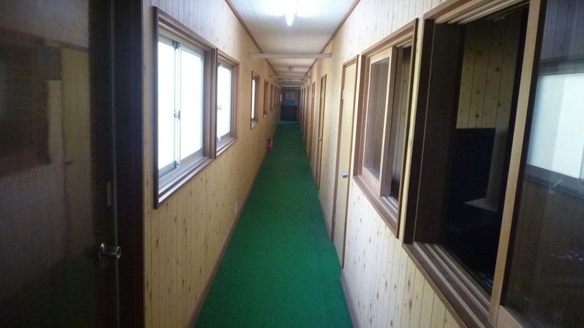 3階右側廊下