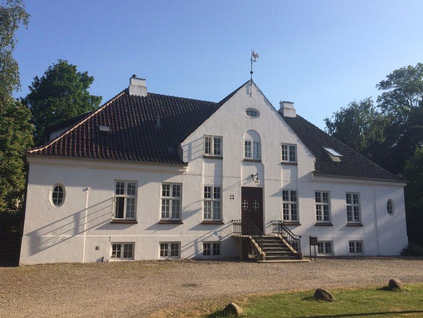 Haupthaus und Wohngebäude der Künstler