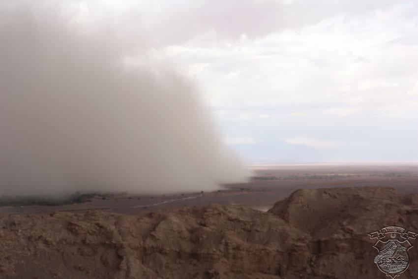 La tormenta que asolaba San Pedro de Atacama mientras estábamos en el mirador del Valle de La Luna.