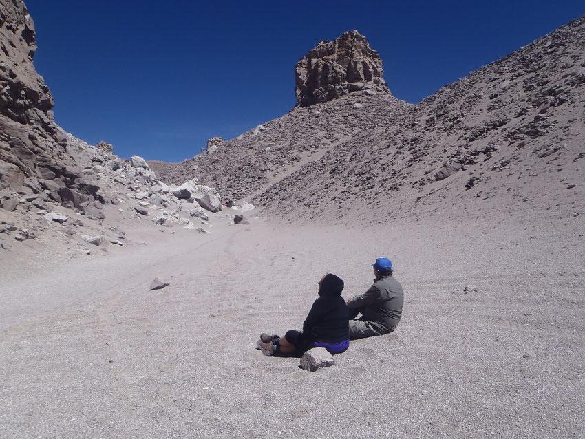 Un tiempo de relax antes de armar el campamento a 4650 mt.