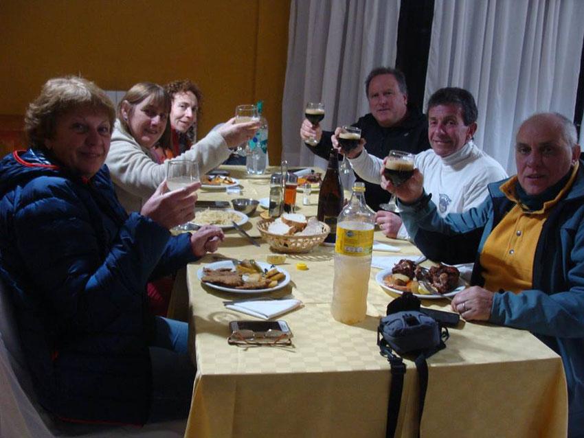Cenamos en la hostería y nos fumos a descansar, para encarar al día siguiente las vegas Orohuasi, Quinuas y Botijuela, entrando por un track propio de amigos4x4 desde la Quebrada del Diablo.