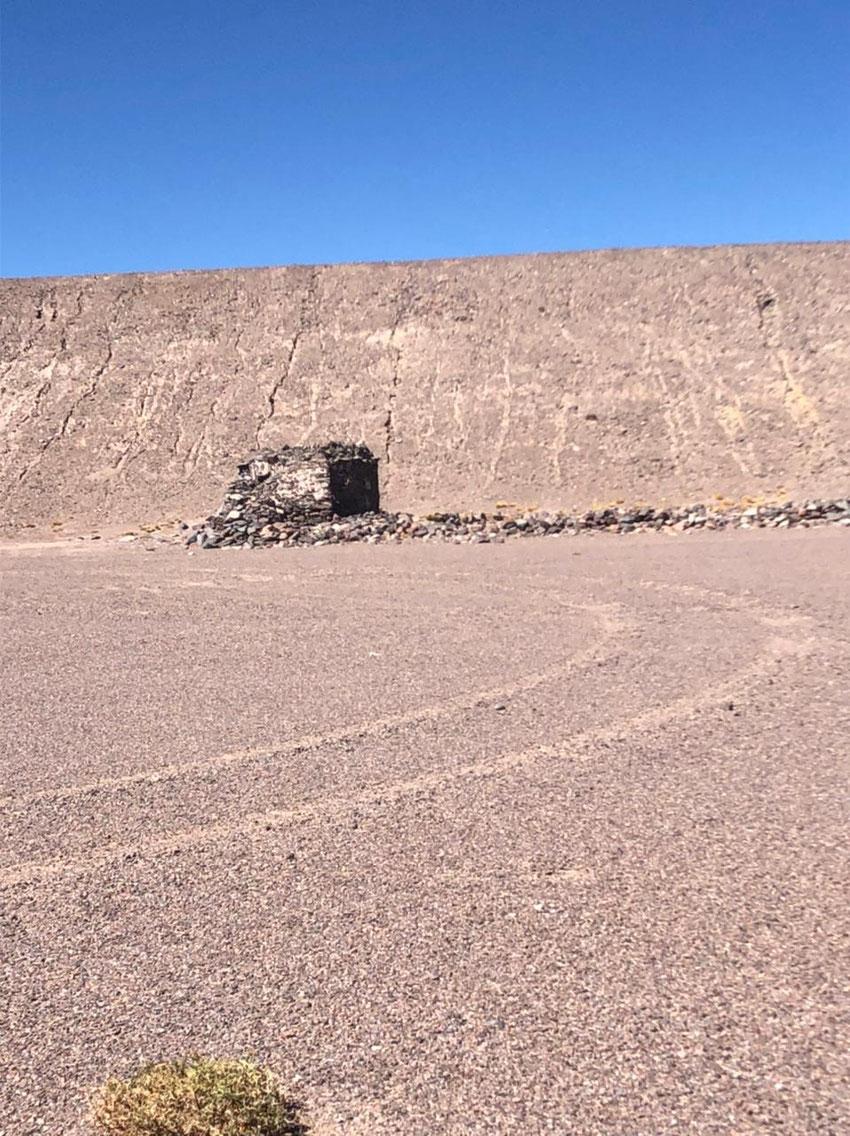 Refugio Pucha-Pucha, semi destruido.