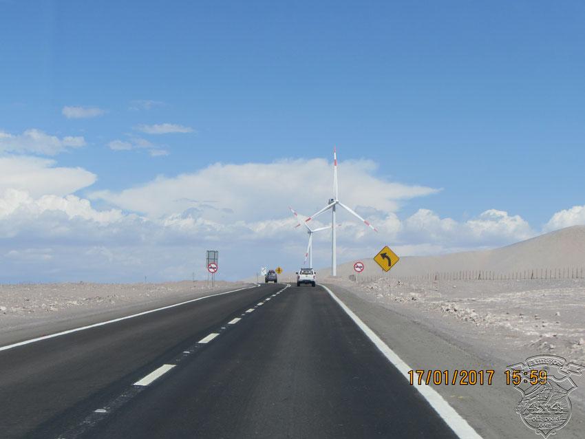 Y una constante a lo largo de las rutas, la utilización de parques eólicos para la generación de energía limpia y sustentable.