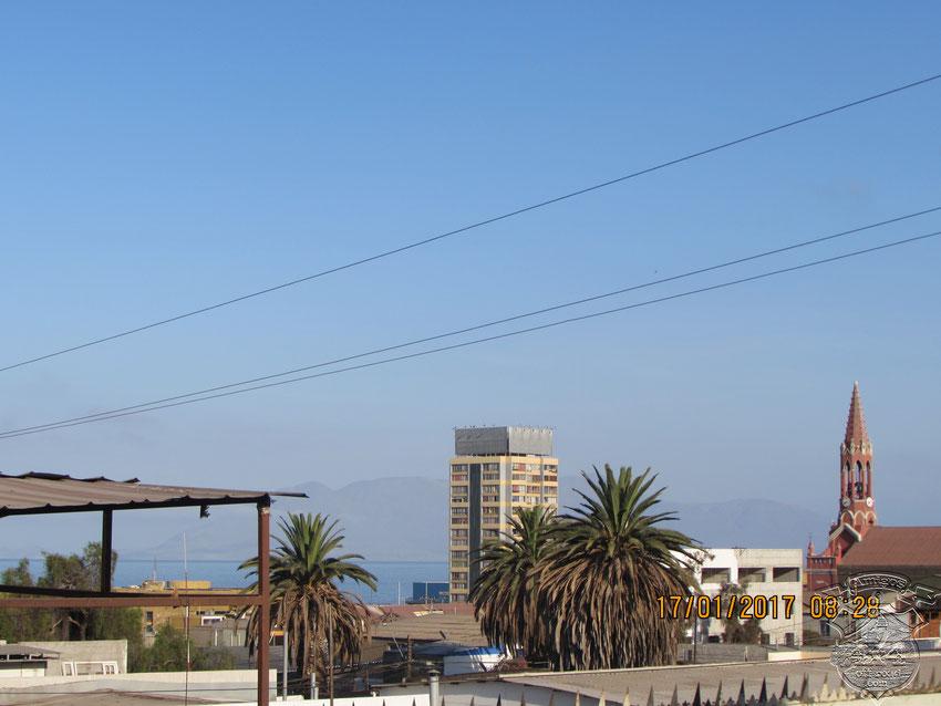 Desde el hostel, podemos ver el océano Pacífico. La mañana se presentaba espléndida así que apuramos la salida.