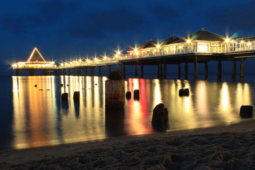 Seebrücke bei Nacht - Eines meiner ersten Fotos mit Langzeitbelichtung(25 Sekunden)