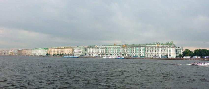 Palais d'hiver, Ermitage, vus de la Néva