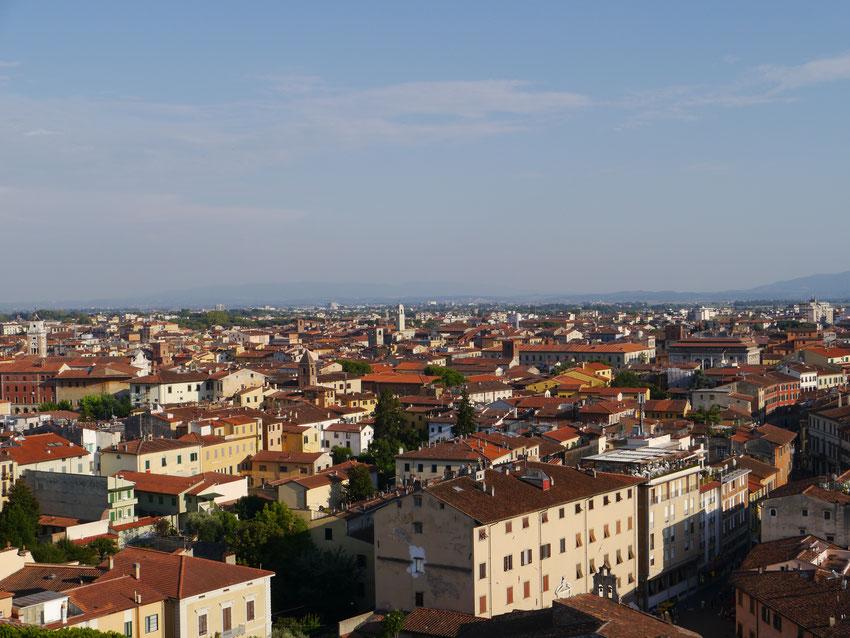 Blick vom Schiefen Turm auf Pisa