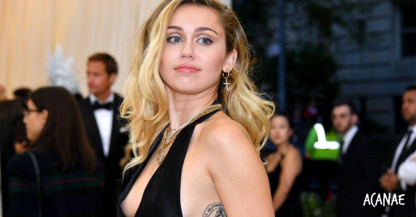 Miley Cyrus relata en su autobiografía 'Millas por Avanzar' su experiencia con el bullying