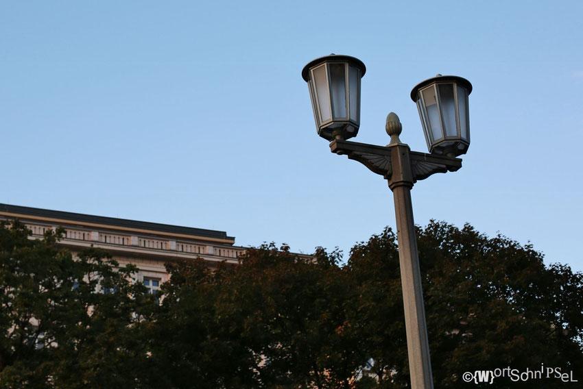 auch die Straßenbeleuchtung bzw. die Laternen wurden aufwendig saniert und rekonstruiert