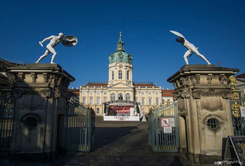 der Haupteingang vom Schloss Charlottenburg