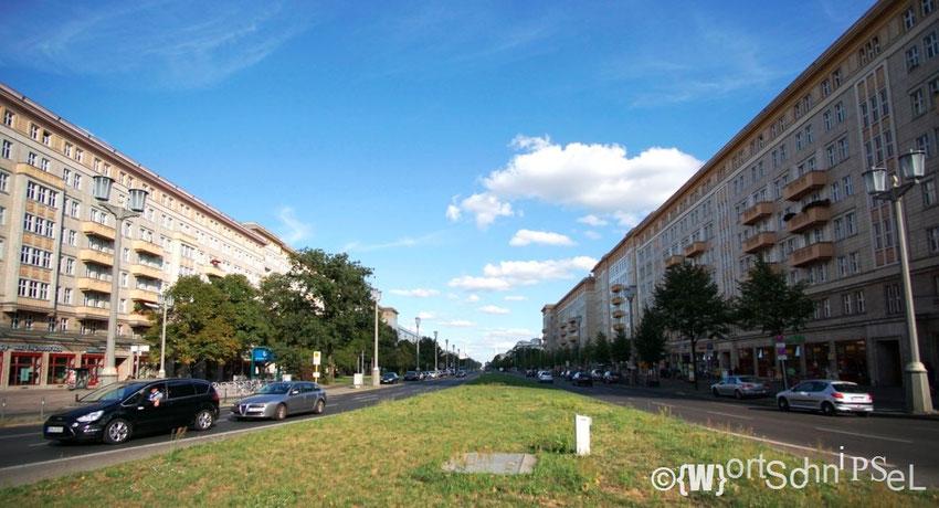 Blick vom Strausberger Platz gen Osten...