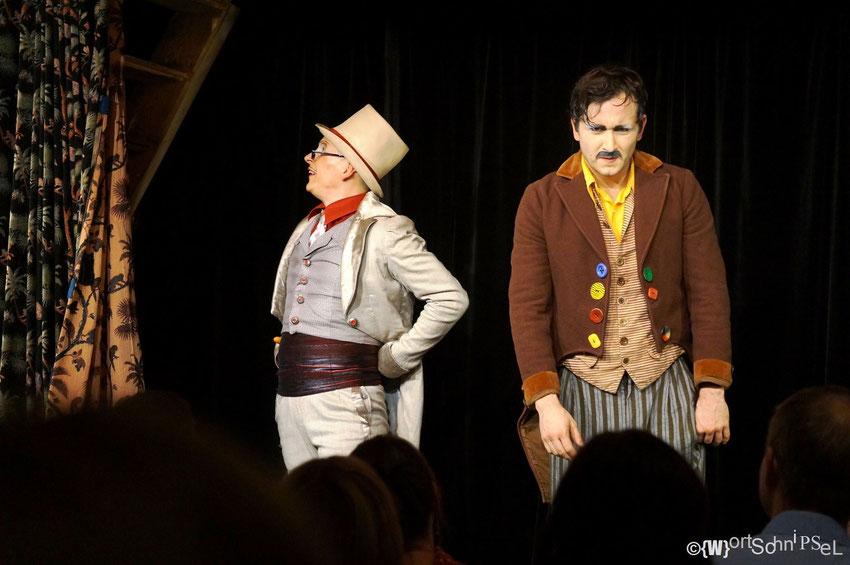 die Gebrüder Grimm oder der Hase und der Igel auf der Bühne der Märchenhütte