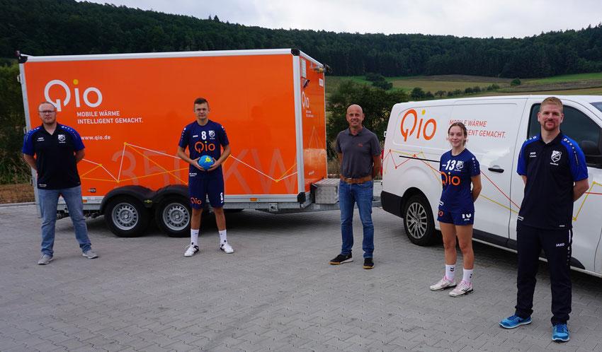 Steffen Gärtner (Jugendleiter und Trainer mJA), Marius Gärtner, Jürgen Neuberger (Fa. QIO), Natalie Allin und Gilles Orciari (Trainer wJA)