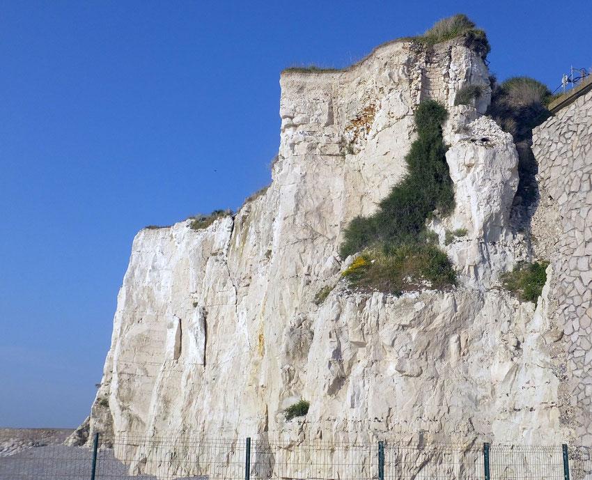 La falaise fissurée, à  Ault