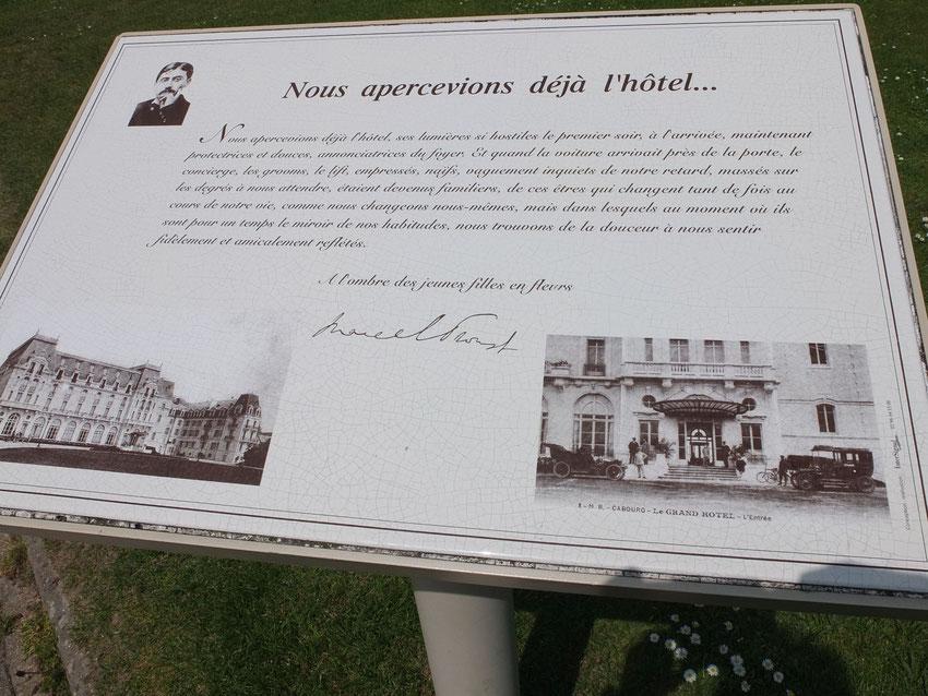 Nous apercevions déjà l'hôtel... Marcel Proust