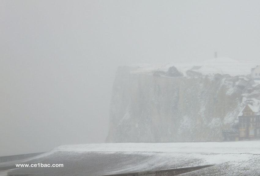la falaise de Mers, tempête de neige