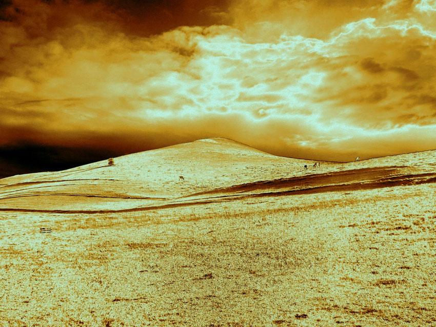 Quand nous pensons à une montagne d'or, nous ne faisons que réunir deux idées capables de s 'accorder, celle d'or et celle de montagne