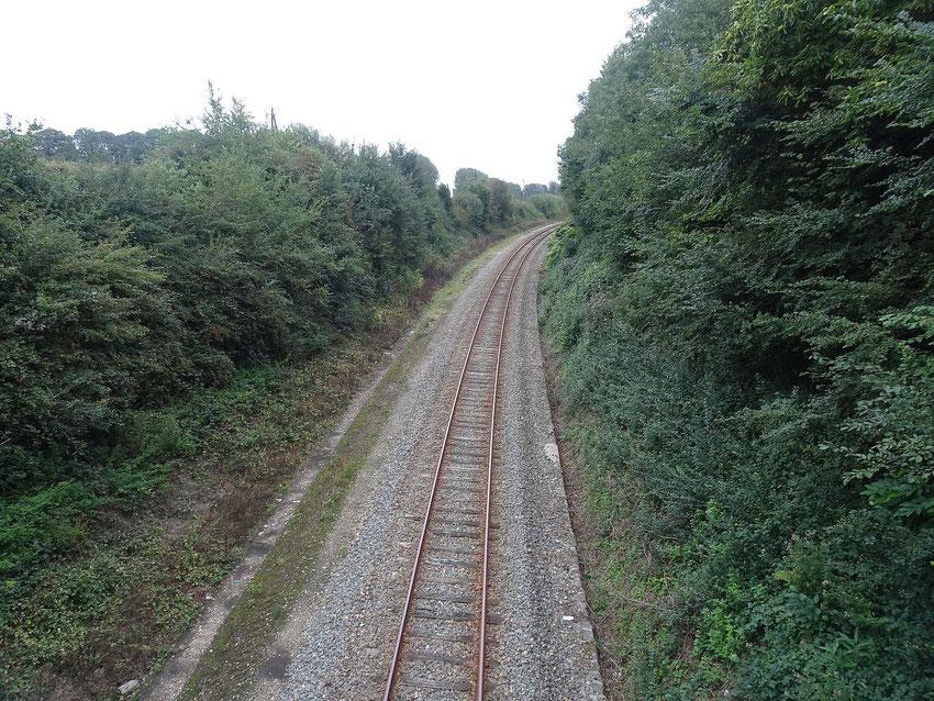 nous avons rencontré un grand chemin de fer