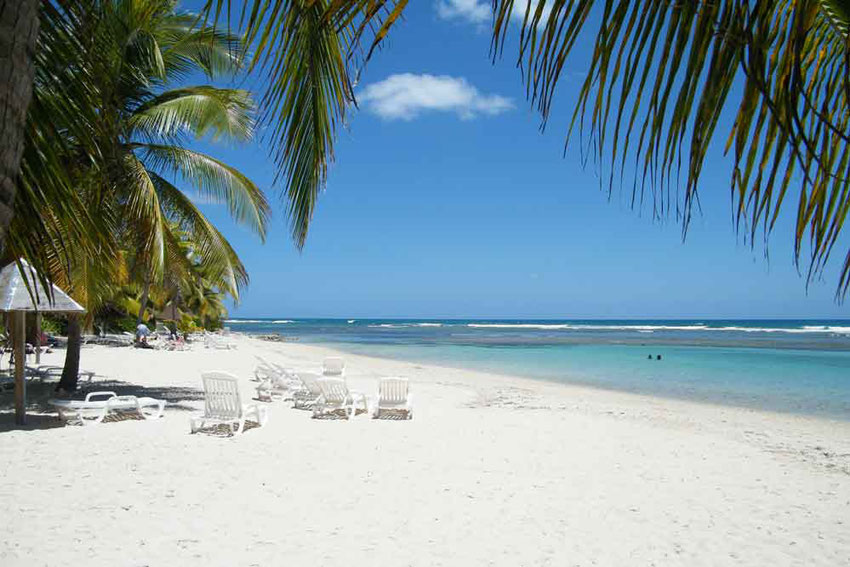 location bungalows gites hébergement affitto rental cotages plage beach spiaggia Ste. Anne Guadeloupe