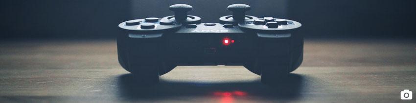 blog marie fananas écrivain image manette jeux vidéos