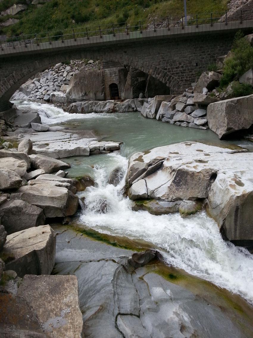 Via Ferrata Diavolo - Blick auf die Reuss in der Schöllenenschlucht