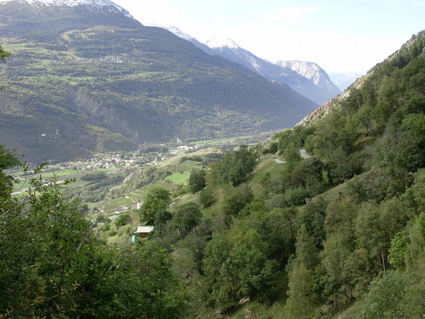 Das Rhônetal flussabwaerts von der Loetschberg-Suedrampe