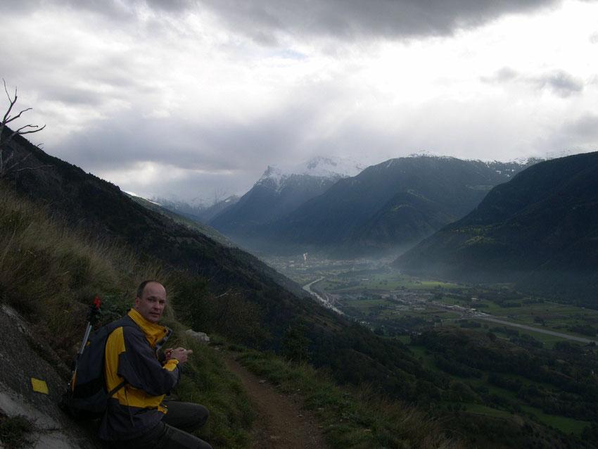 Blick von der Loetschberg-Suedrampe flussaufwaerts Richtung Visp