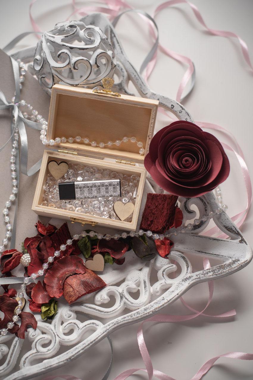 Auf eurem USB Datenträger findet ihr eure gesamte Hochzeitsreportage in voller Auflösung im jpg Format.