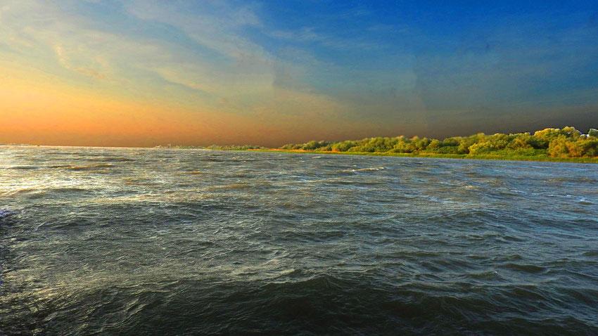 Das Ende der Donau am Schwarzen Meer. Kilometer Null –gezählt wird von der Mündung bis zur Quelle.