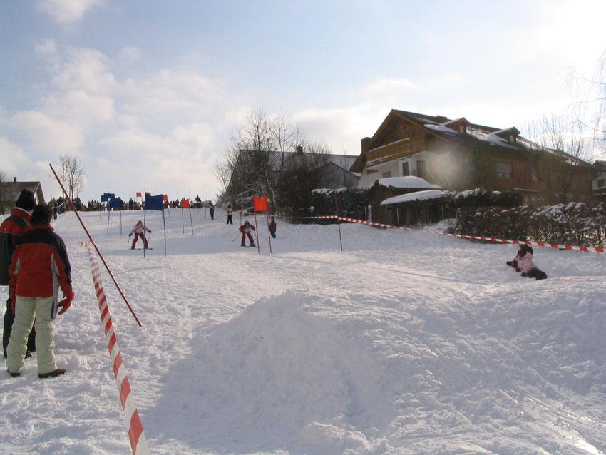 Skirennen auf dem Schlittenberg in Oberbergkirchen 2006