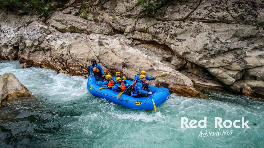 Wildwasserrafting währen der Peloponnes Tour - Red Rock Adventures