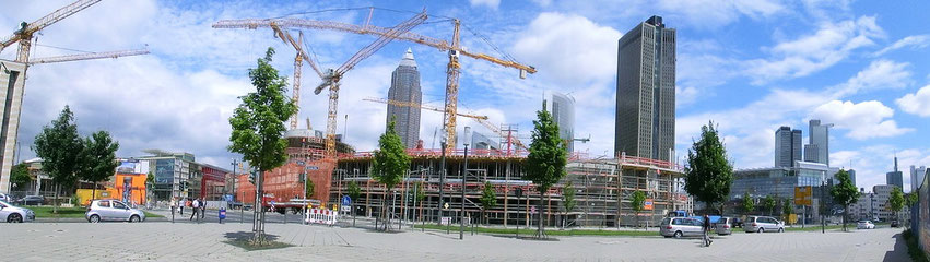 Frankfurt am Main - Gallus - Messeskyline - Skyline Plaza - Juli 2012