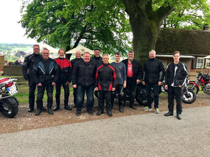 Bei der Saison-Eröffnungstour fahren die 13 Mitglieder des Posaunenvereins in Richtung Bad Karlshafen und Drei-Länder-Dreieck.
