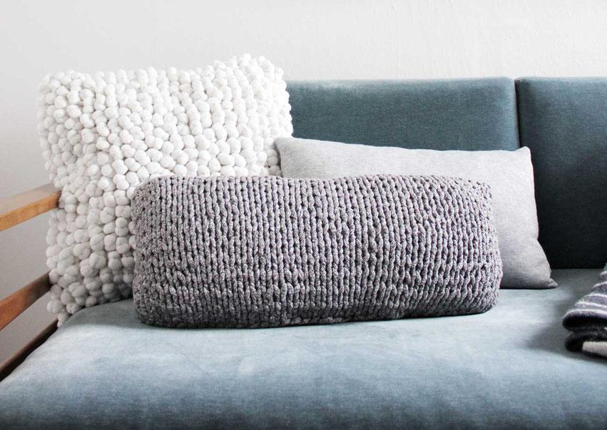 """Strickset für Anfänger von Wooltwist - Kissen """"Manhattan"""" aus Textilgarn"""