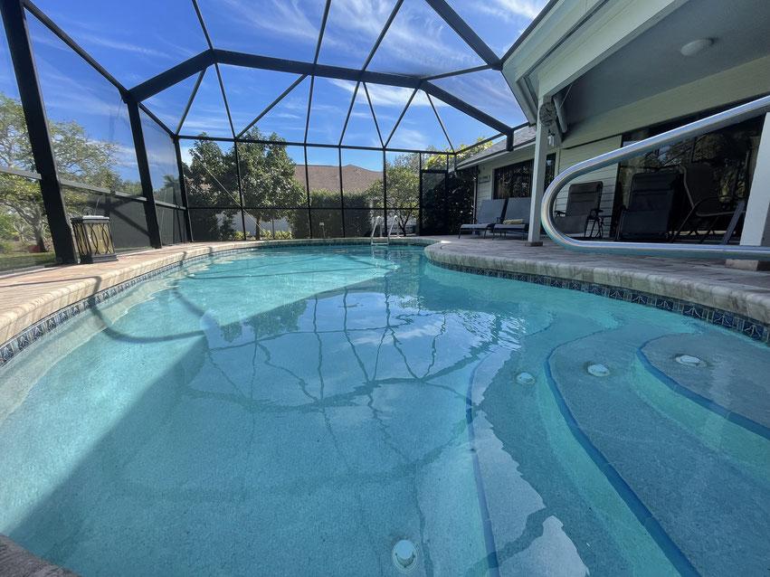 Gemütliche Pool Area  am Ferienhaus in Naples