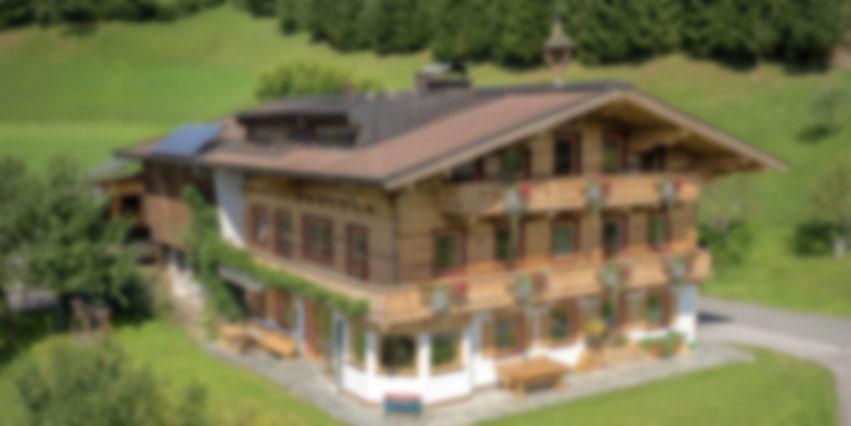 landwirtschaft bauernhof - holzbau herbst  | unken | salzburg