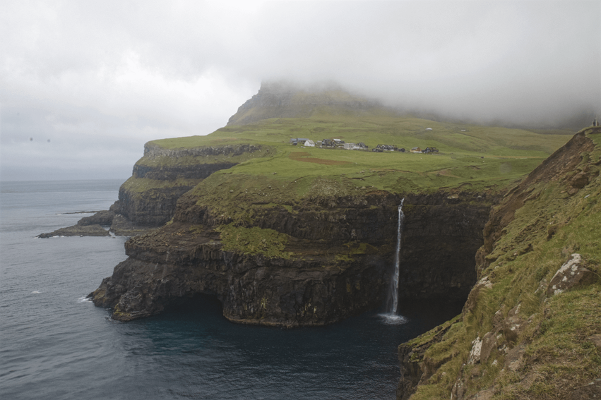 Urlaub Färöer Inseln Múlafossur Wasserfall