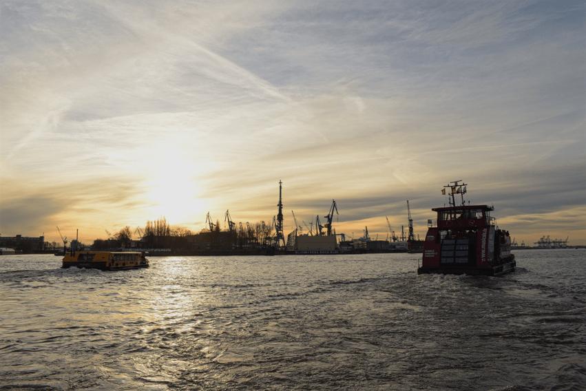 Hamburg Tipp Hafenrundfahrt HVV-Fähre
