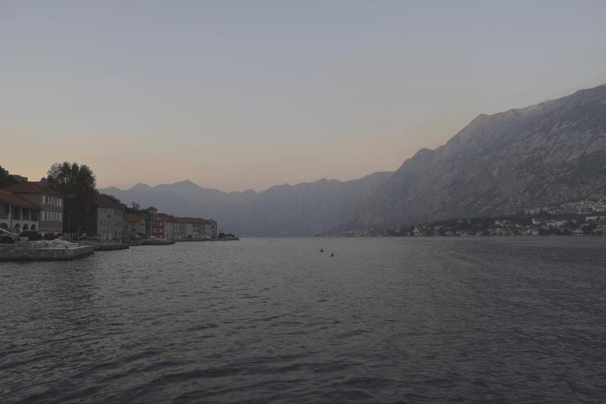 Rundreise Montenegro Bucht von Kotor Sonnenuntergang