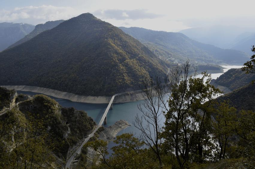 Rundreise Montenegro Piva Lake
