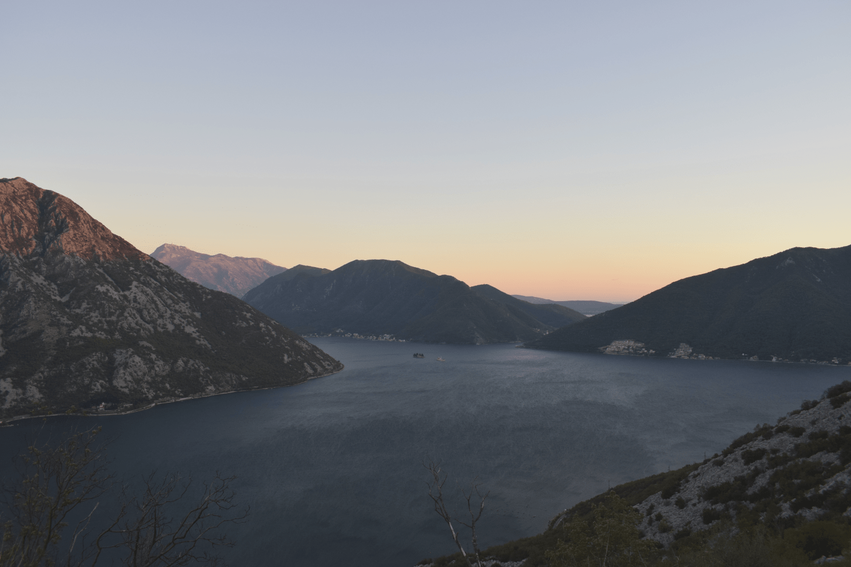 Rundreise Montenegro Sonnenuntergang Kotor Bay