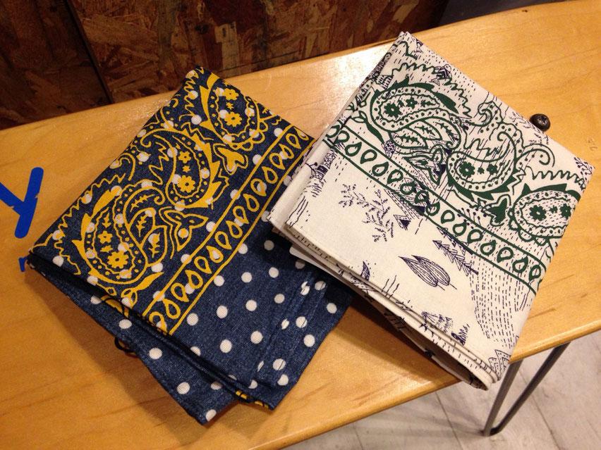 and wander(アンドワンダー) printed bandanna  各¥2,160(税込)