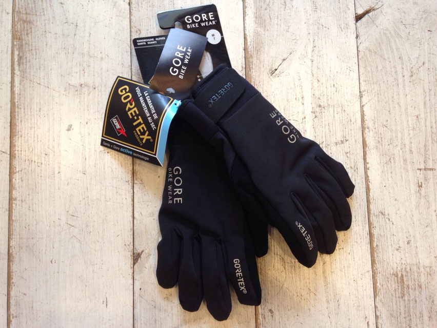 GORE BIKE WEAR(ゴア バイクウェアー) UNIVERSAL GT Thermo Gloves ¥9,720(税込)